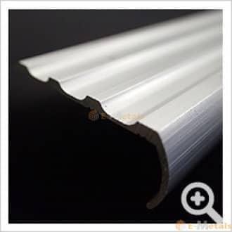 標準寸法 ノンスリップ アルミ建材/板材 A6063S-T5 ノンスリップ シルバー